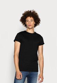 Topman - 5 PACK - T-shirts basic - white/black/grey - 3