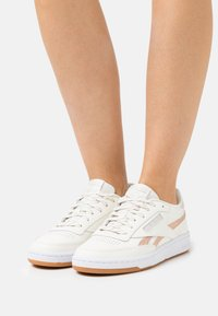 Reebok Classic - CLUB C 85 - Sneakers laag - chalk/golden bronze /stucco - 0