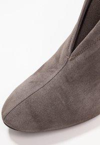 Carvela Comfort - RIDA - Tronchetti - grey - 2