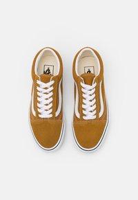 Vans - OLD SKOOL UNISEX - Sneakers - golden brown/true white - 3