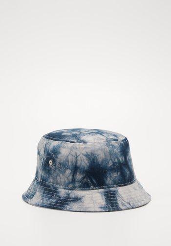 JACTIE BUCKET HAT - Hat - sky captain