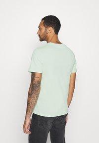 YOURTURN - T-shirt med print - green - 2