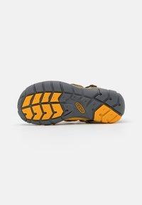 Keen - SEACAMP II CNX UNISEX - Walking sandals - military olive/saffron - 4