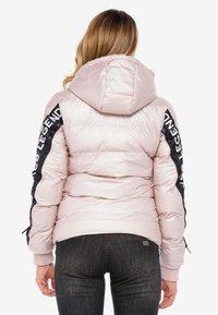 Cipo & Baxx - MIT WÄRMENDER KAPUZE - Winter jacket - pinksilver - 2