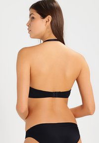 MAGIC Bodyfashion - V BRA - Sujetador sin tirantes/multiescote - black - 5