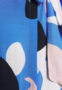Nümph - NUCORA DRESS - Skjortekjole - ultramarine - 8
