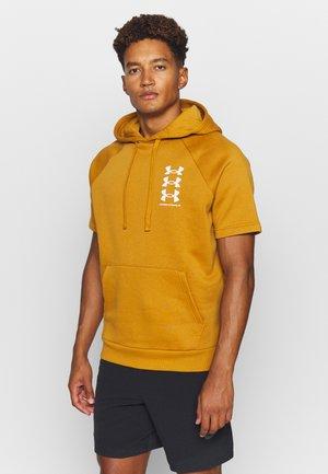 RIVAL MULTILOGO  - Jersey con capucha - yellow ochre