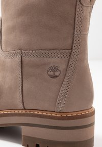 Timberland - COURMAYEUR VALLEY  - Classic ankle boots - taupe - 2
