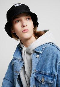 Moss Copenhagen - BALOU BUCKET HAT - Hat - black - 1