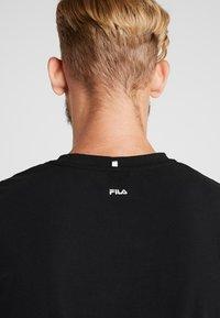 Fila - ROBIN - Print T-shirt - black - 5
