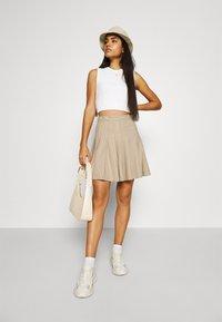 Monki - TINDRA SKIRT - Pleated skirt - beige medium dusty - 1