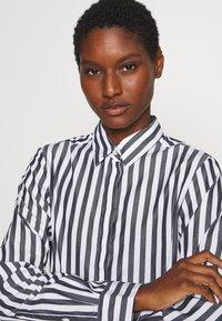 Seidensticker - LANGARM - Button-down blouse - dark sapphire - 3