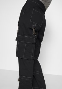 The Ragged Priest - PANT WITH TRIGGERS - Pantalones - black