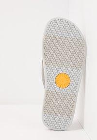 UGG - BROOKSIDE FLIP - T-bar sandals - seal - 4