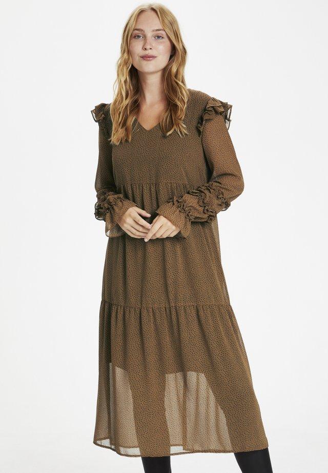 CUELINOR  - Maxi dress - toffee