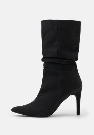 RUCHED STILLETO BOOTS - Bottes - black