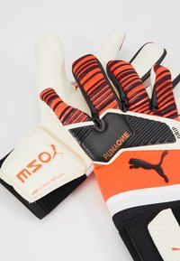 Puma - ONE GRIP HYBRID PRO - Goalkeeping gloves - red/black/white - 5