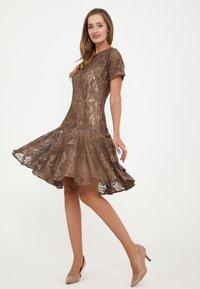 Madam-T - SACASA - Cocktail dress / Party dress - marron - 1