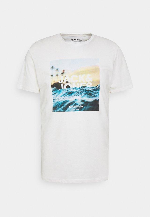 JORAZURE TEE CREW NECK - T-shirt print - cloud dancer