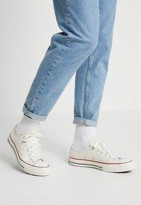 Converse - Sneakers basse - parchment - 0