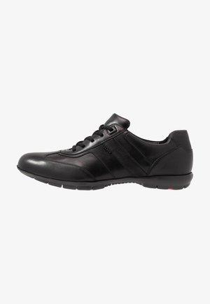ADAMO - Sznurowane obuwie sportowe - schwarz