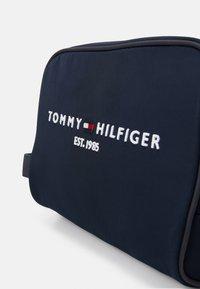 Tommy Hilfiger - ESTABLISHED WASHBAG - Travel accessory - blue - 4
