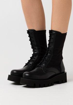 PORTO - Platform boots - omega black