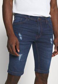 Redefined Rebel - HAMPTON - Denim shorts - mid blue - 5