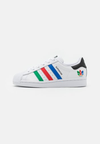 SUPERSTAR SPORTS INSPIRED SHOES UNISEX - Trainers - footwear white/green/core black
