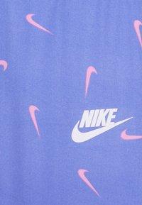 Nike Sportswear - SWOOSHFETTI - Leggings - royal pulse - 2