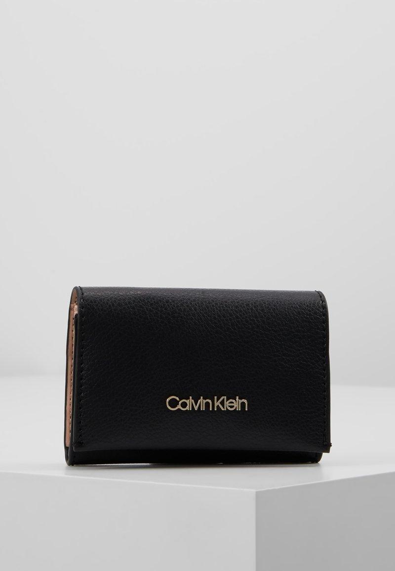 Calvin Klein - ENFOLD CARD HOLDER WALLET - Wallet - black