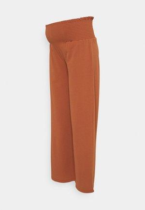 MLARLENE PANTS - Teplákové kalhoty - copper brown