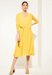 comma - Cardigan - yellow - 1