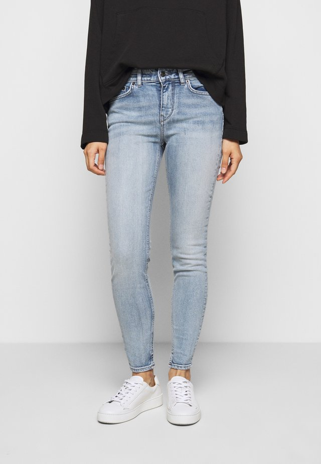 NEED - Jeansy Skinny Fit - light blue
