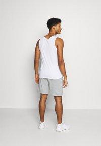 Nike Performance - SHORT - kurze Sporthose - dark grey heather - 2
