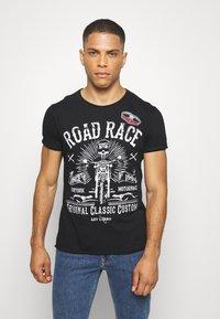 Key Largo - MOTORBIKE ROUND - T-shirt z nadrukiem - black - 0