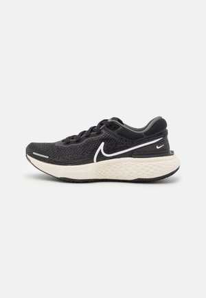 ZOOMX INVINCIBLE RUN FK - Competition running shoes - black/white/iron grey