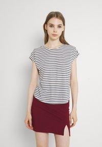 Vero Moda - VMALONA - Basic T-shirt - navy blazer/white - 0