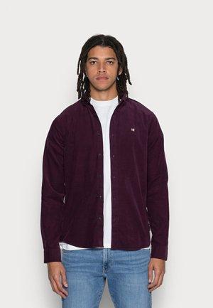 CLASSIC BUTTON DOWN CORDUROY  - Shirt - bramble