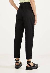 Bershka - PAPERBAG - Trousers - black - 2