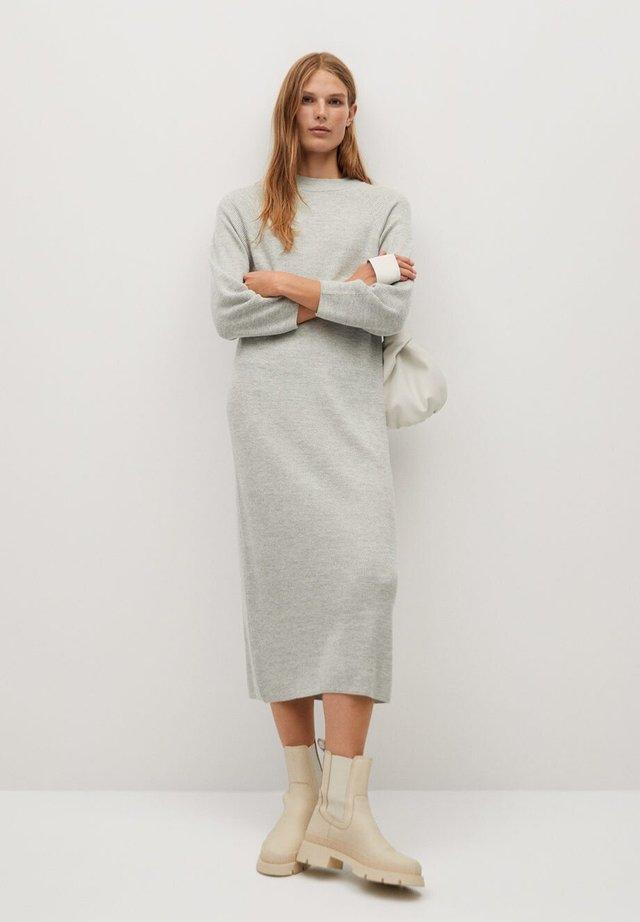 NANTES - Gebreide jurk - lichtgrijs