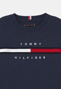 Tommy Hilfiger - FLAG INSERT  - Sudadera - twilight navy - 2