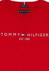 Tommy Hilfiger - ESSENTIAL TEE  - Print T-shirt - red