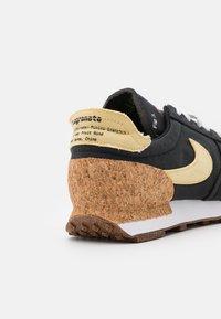 Nike Sportswear - DBREAK TYPE M2Z2 UNISEX - Trainers - black/solar flare/white/volt - 5