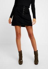 Hollister Co. - BLACK SKIRT - Denimová sukně - black - 0