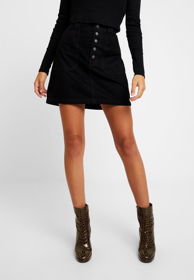 Hollister Co. - BLACK SKIRT - Denimová sukně - black
