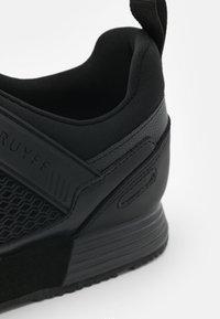 Cruyff - MAXI - Trainers - black - 5