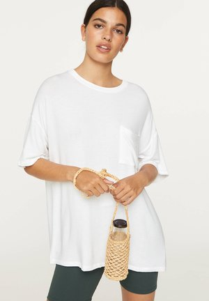 BASIC SHORT-SLEEVED T-SHIRT - Jednoduché triko - white