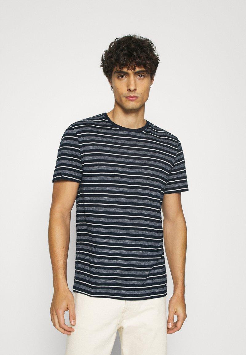 TOM TAILOR - MULTI STRIPED - T-shirts print - blue/off white