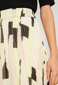 Monki - LAURA PLISSÉ SKIRT - Pliceret nederdel /Nederdele med folder - orange dusty light - 4